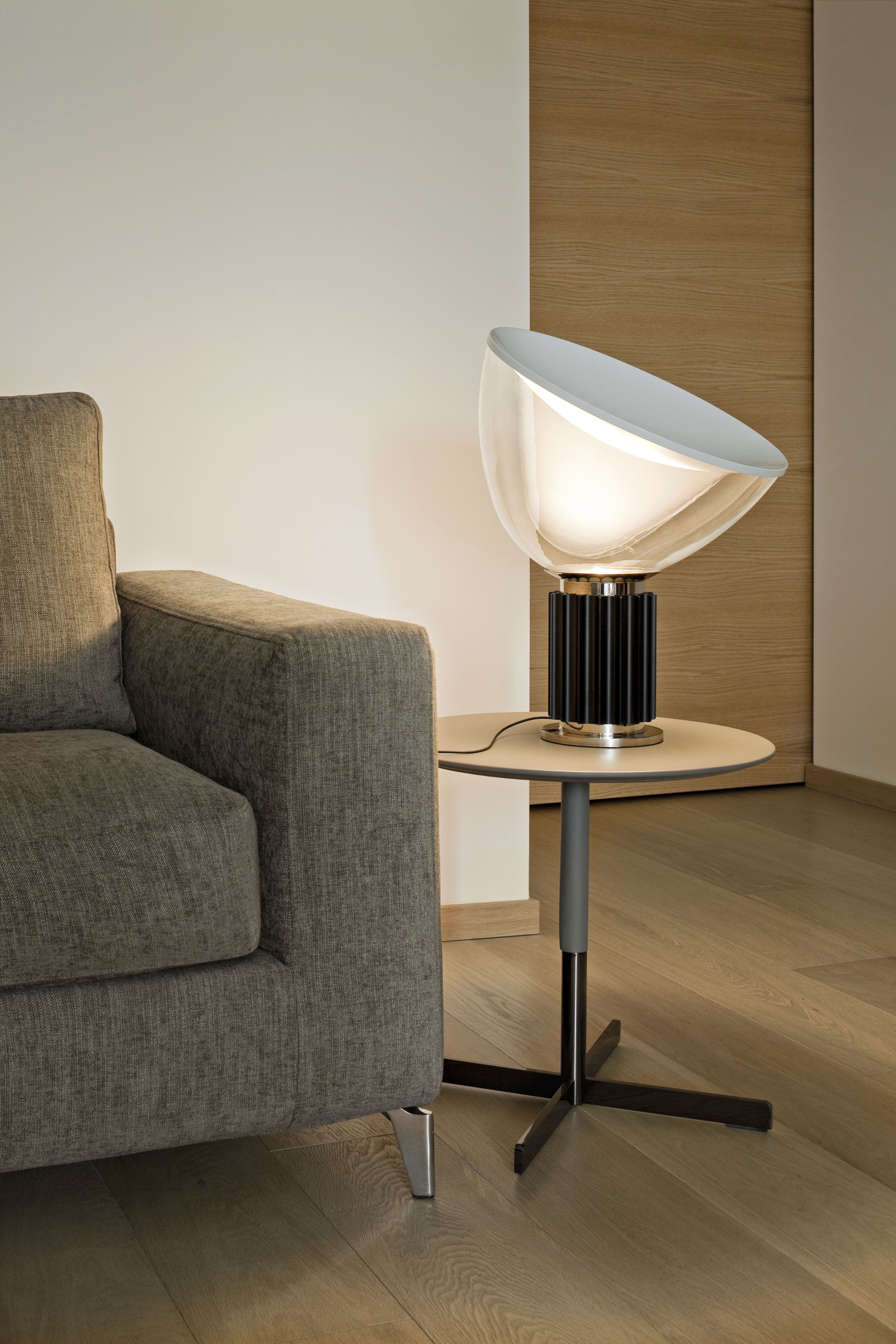 Made In Design Contemporary Furniture Home Decorating And Modern Lighting Lampes De Table Lampe A Poser Table Moderne