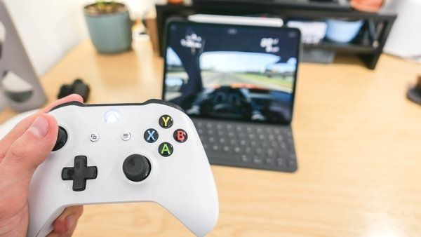 controller support iOS 13 has PS4 and Xbox One