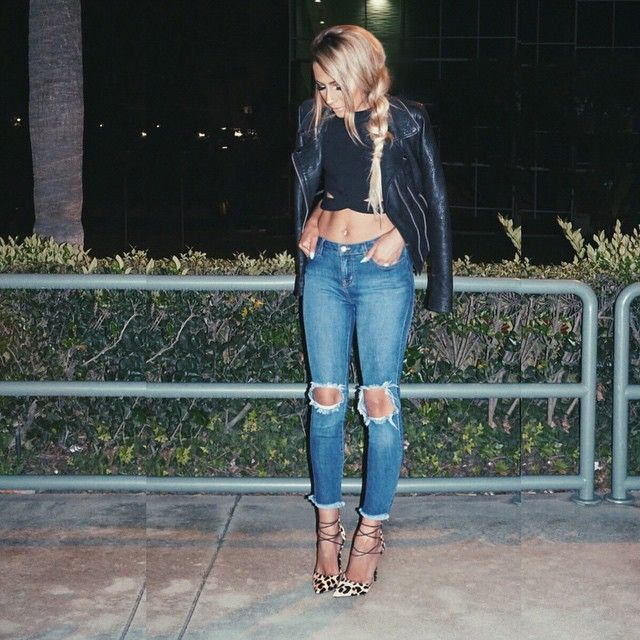 My new favorite jeans combined with these leopard shoes  - Jeans @hotmiamistyles  Shoes @lolashoetique
