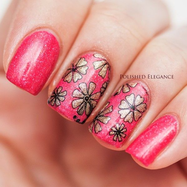 LOVIN this pink & gold flowered mani!!!! ❤