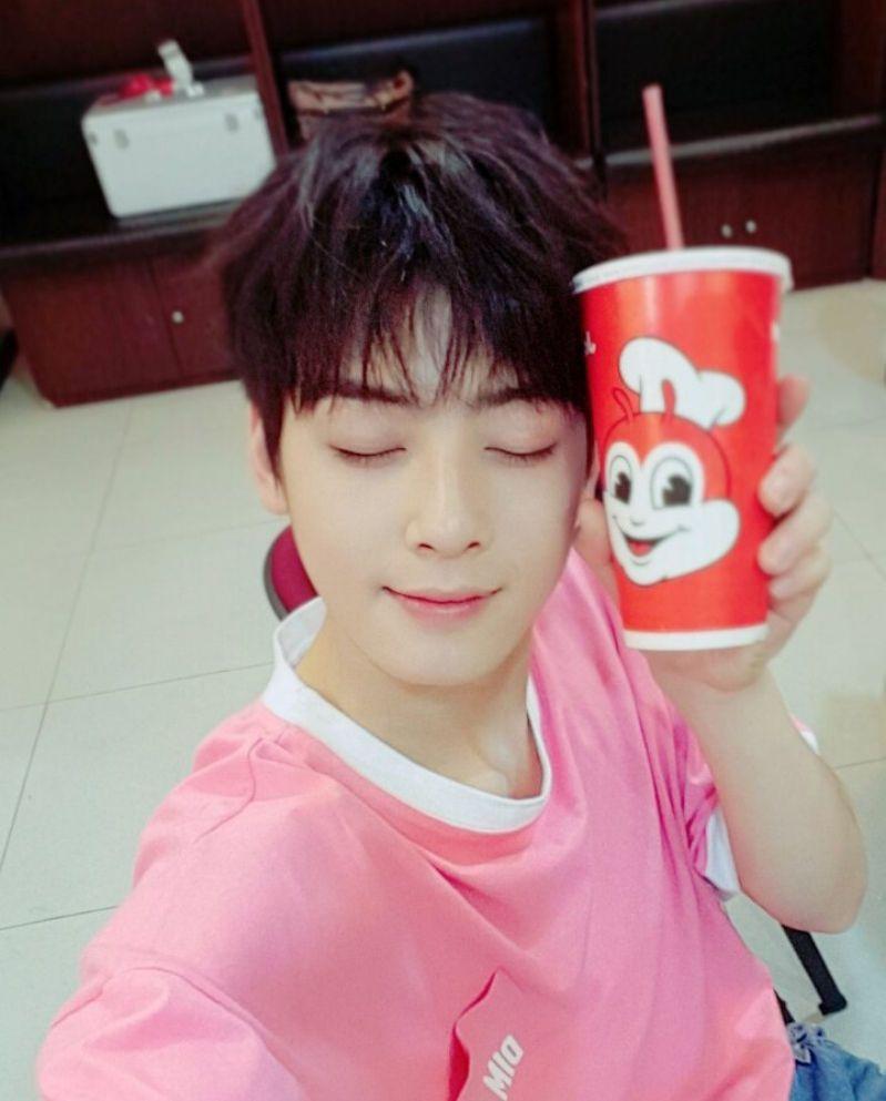Cha Eun Woo K Pop Boy Group Astro Used To Live In The Philippines Hab Korea Net Cha Eun Woo Cha Eun Woo Astro Eun Woo Astro