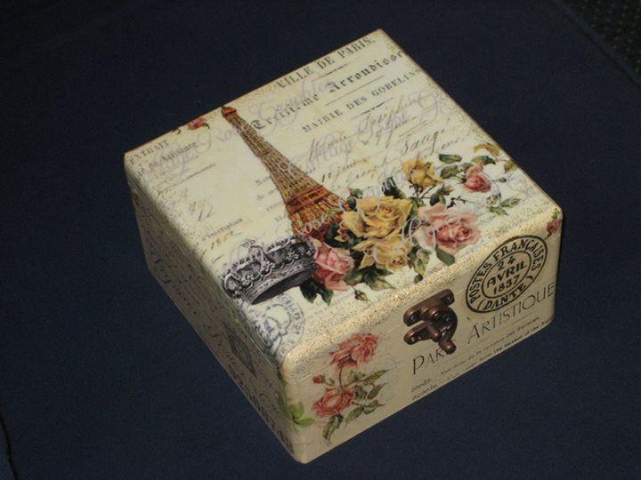 Caja con decoupage reciclado de cajas y botes de todo tipo manualidades y decoraci n vintage y - Decoracion vintage reciclado ...