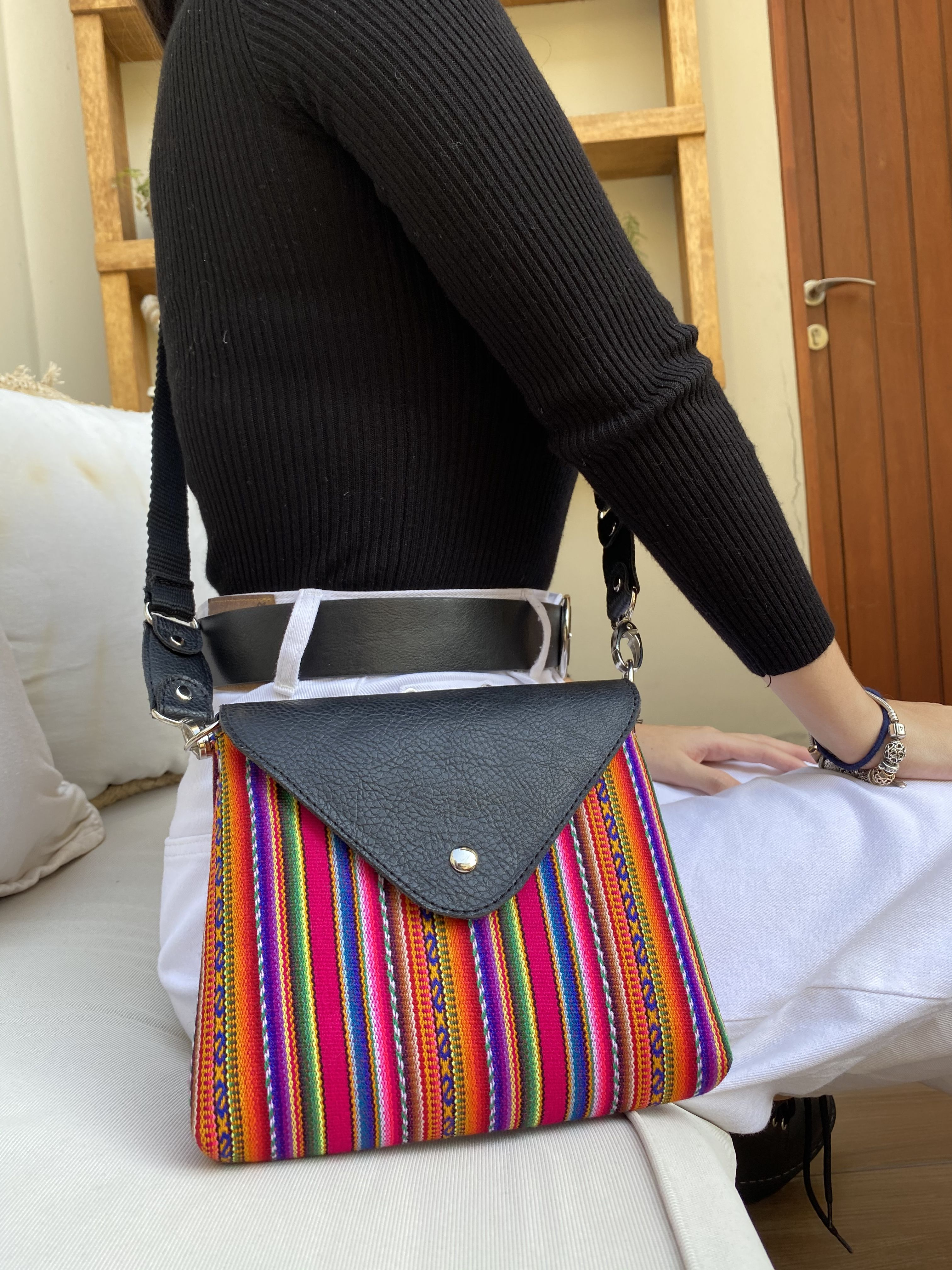 A unique crossbody bag with peruvian essence ✨ #handmade #color #lookoftheday
