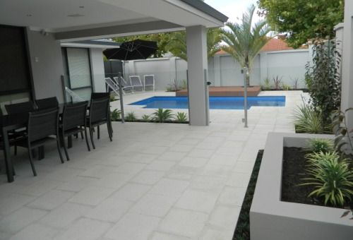 Remastone is a Western Australian family-owned manufacturer and supplier of high quality reconstituted limestone blocks and walling products.