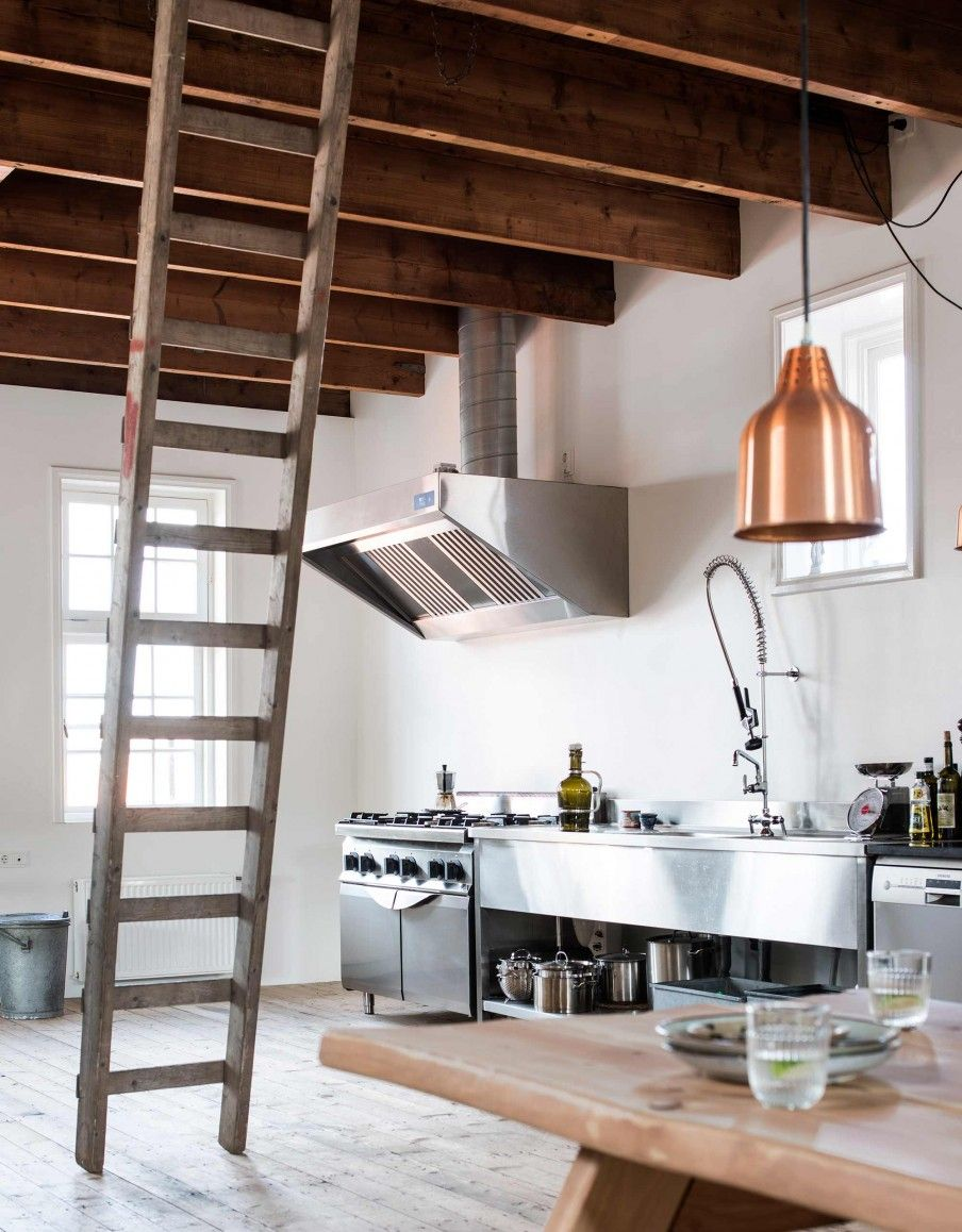 Cucina Stile Industrial Chic Gravity Home Plant Filled Warehouse Apartment Interior