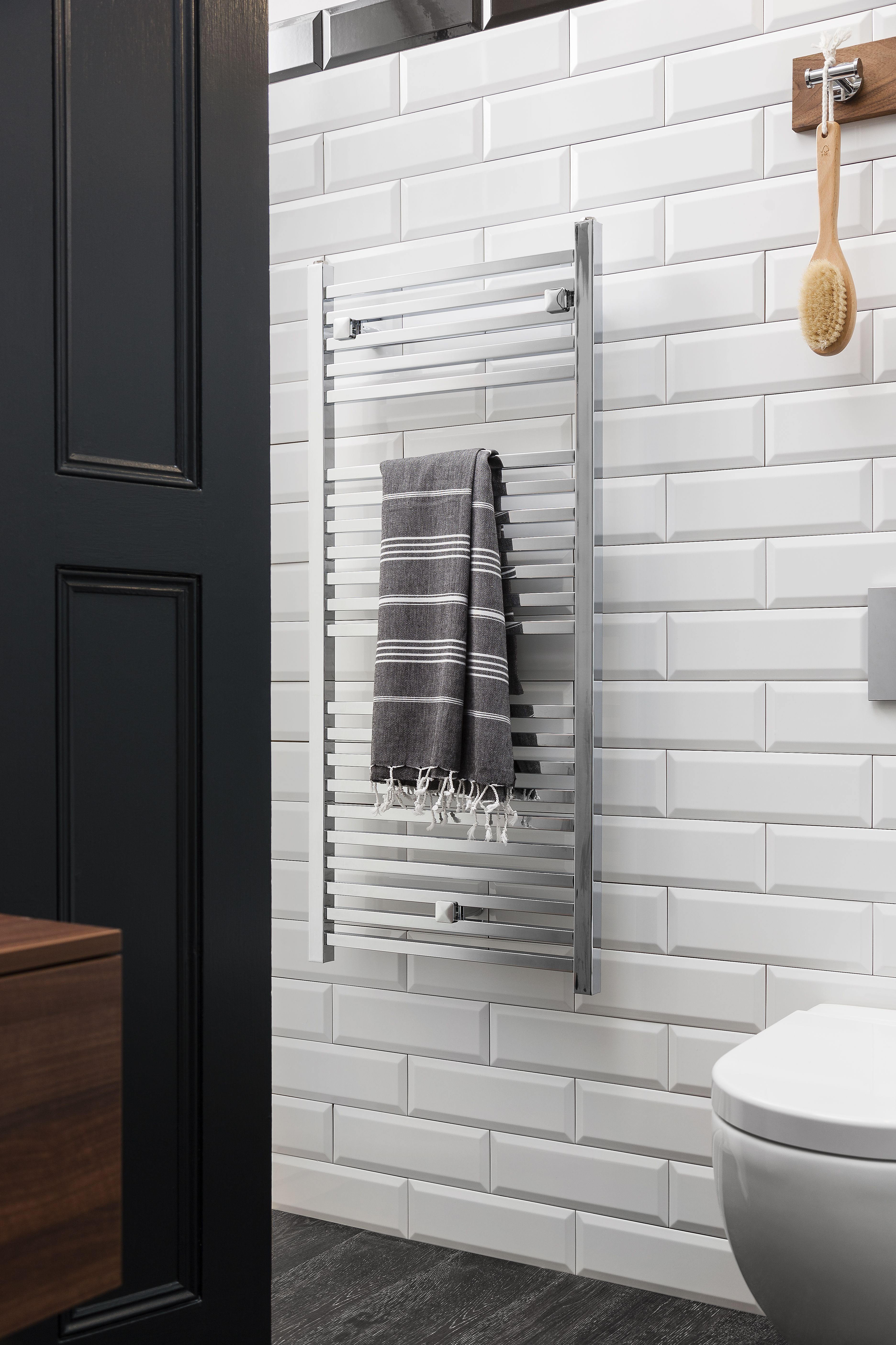Streamlined bathroom fixtures Magnum Towel Warmer in Chrome from