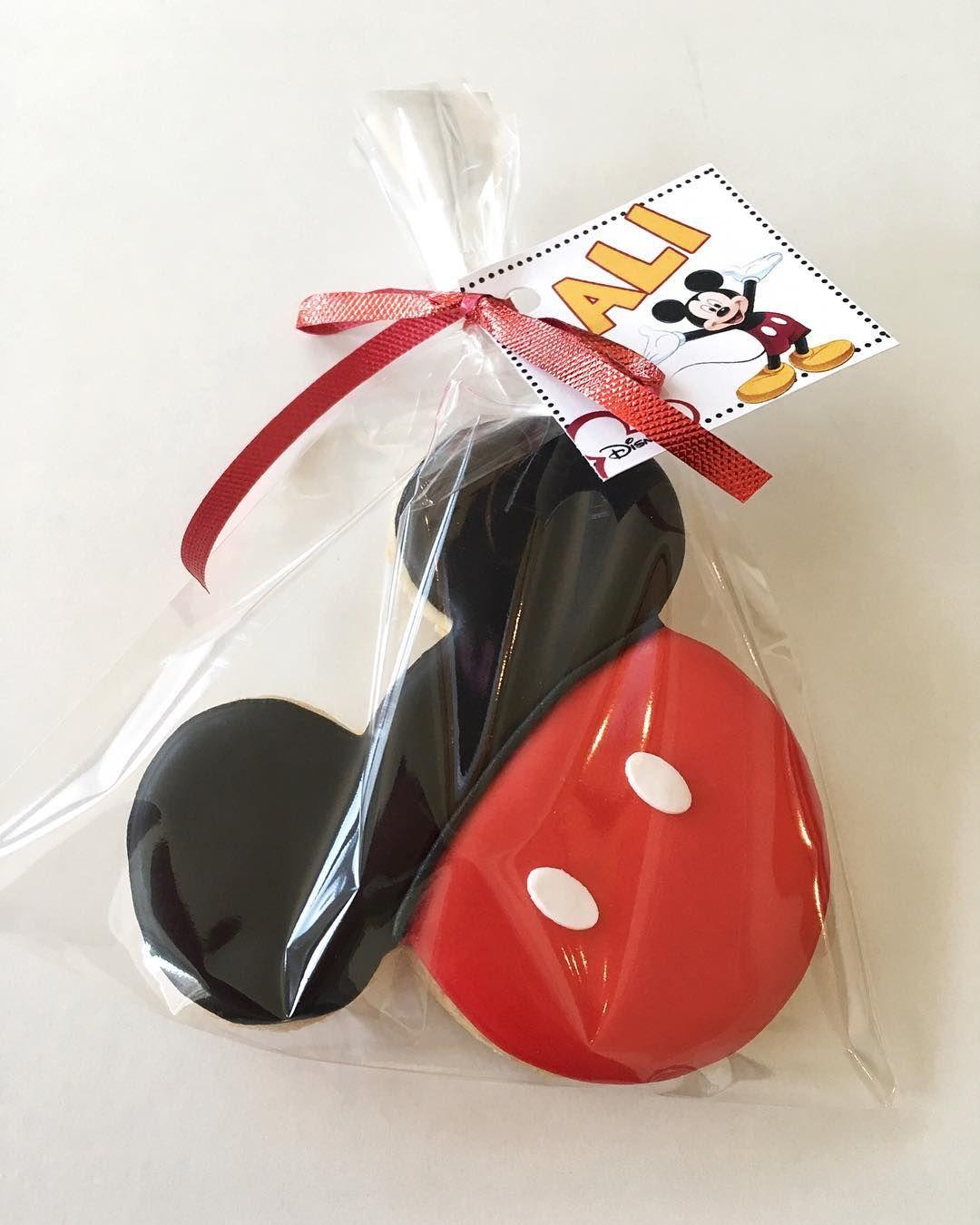 للاحتفال بعيد ميلاد ميكي ال٩٠ توزيعات كوكيز توزيعات ميني ماوس ميكي ماوس كوكيز ميني ماوس توزيعات دزني توزيعات كوكيز حف Disney Treats Treats Mickey