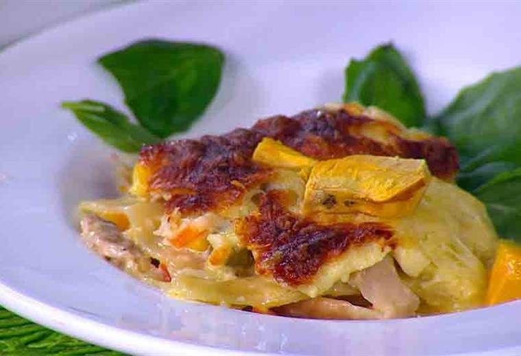 Receta Lasaña De Pollo Con Salsa Blanca Recetas En Español Lasaña De Pollo Recetas De Comida