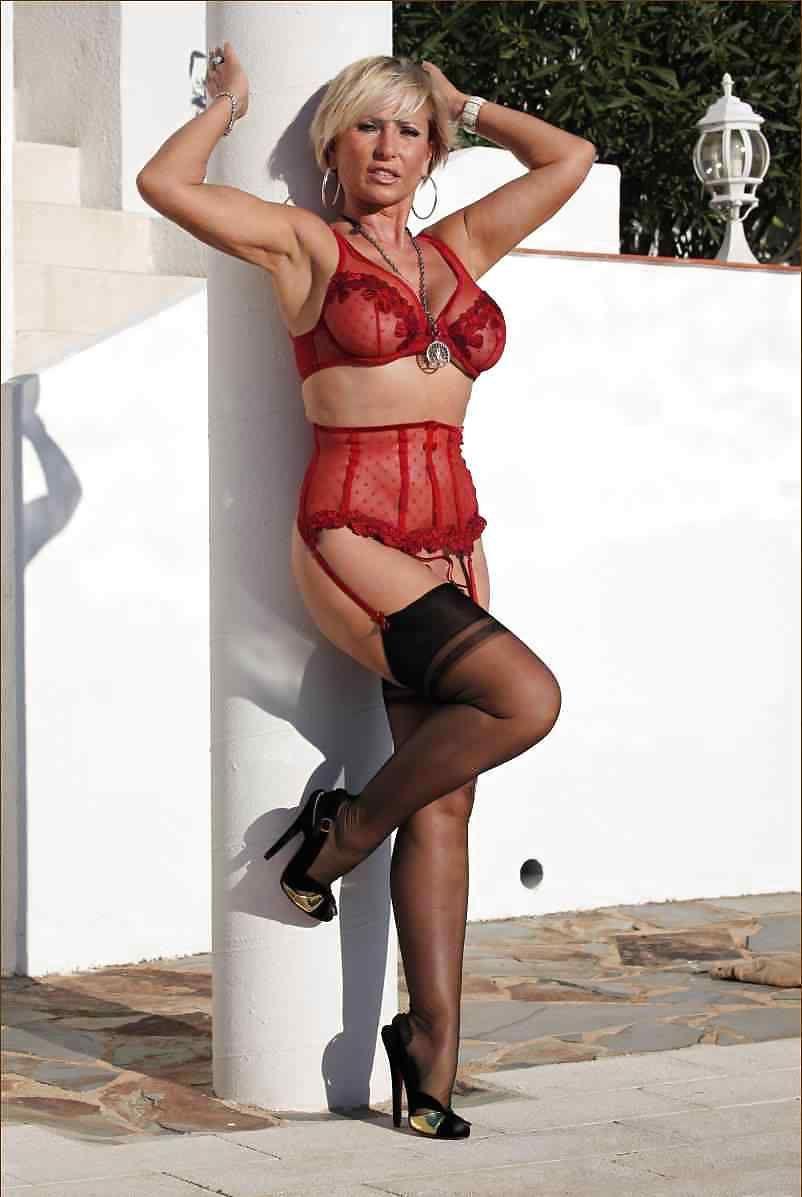 Lady barbara sexy