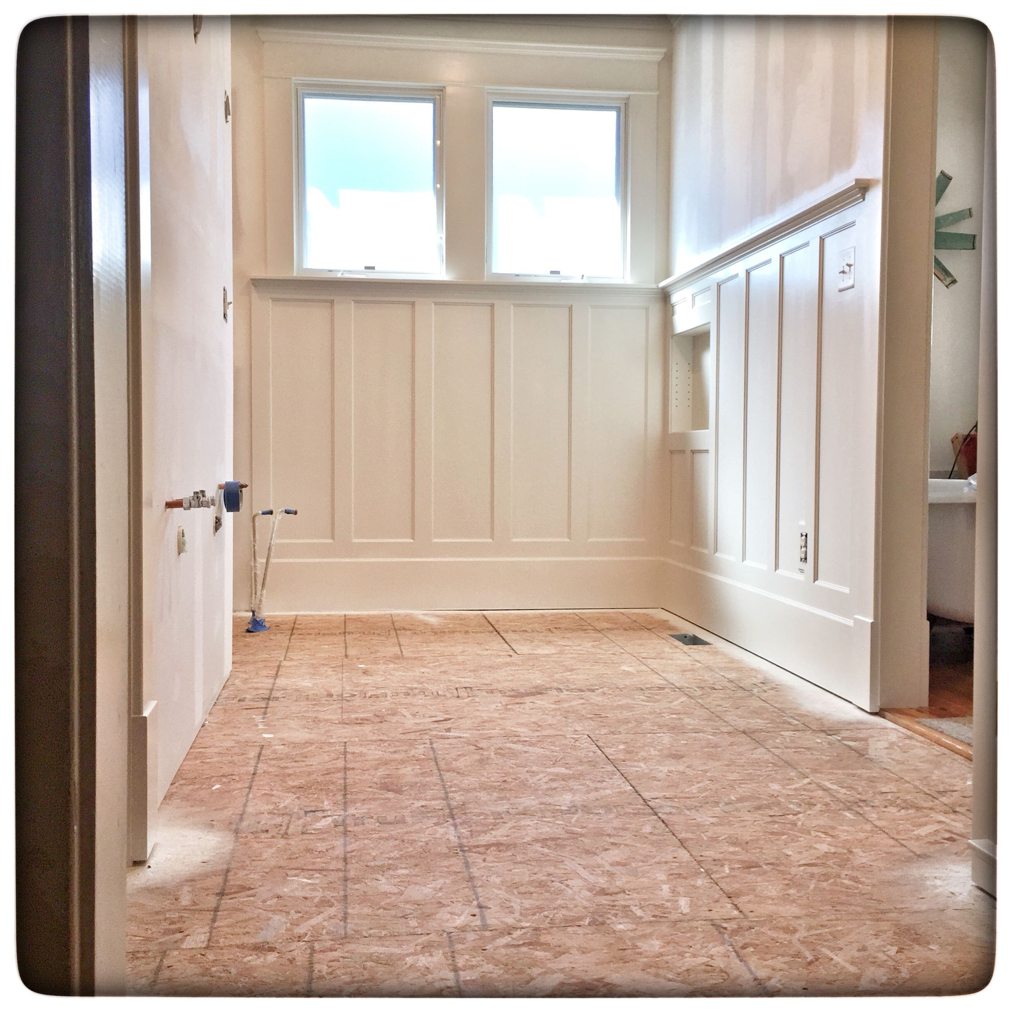 Wainscoting Bathroom: Wainscoting Spray Lacquered