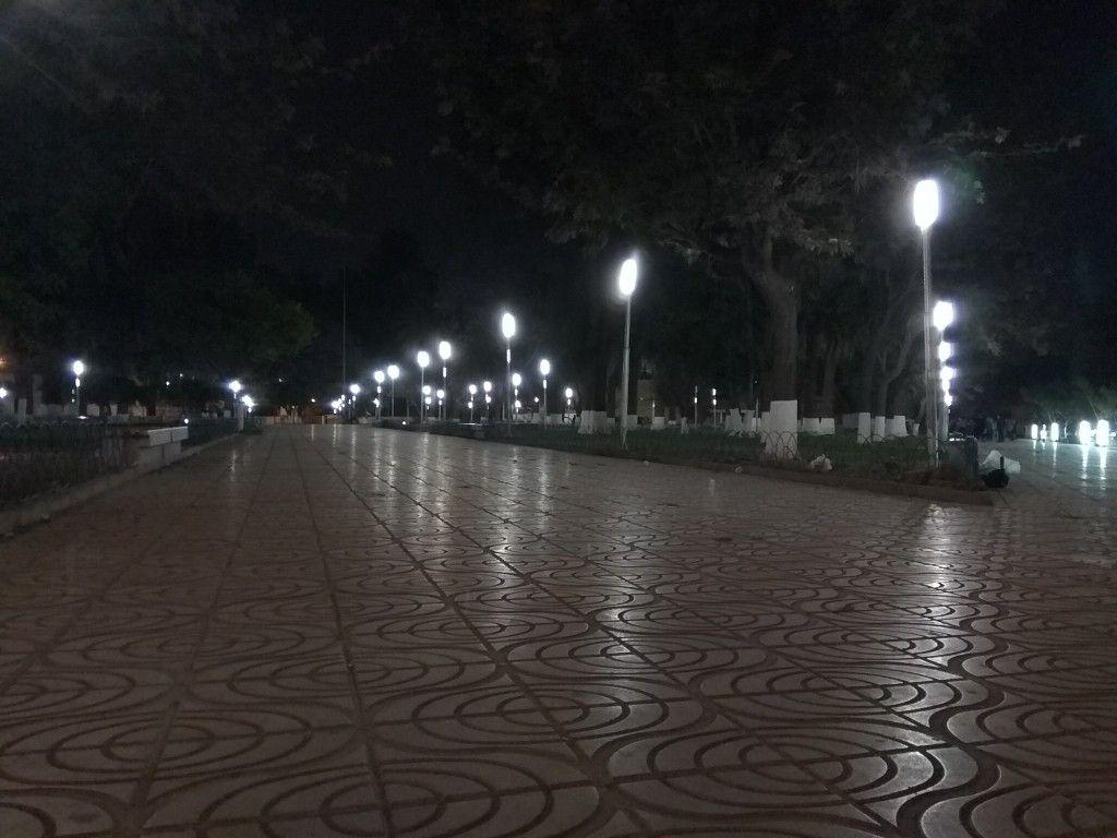 De Noche Nadie Te Camina Plaza San Sebastián Cochabamba Bolivia Celestial Outdoor Anime