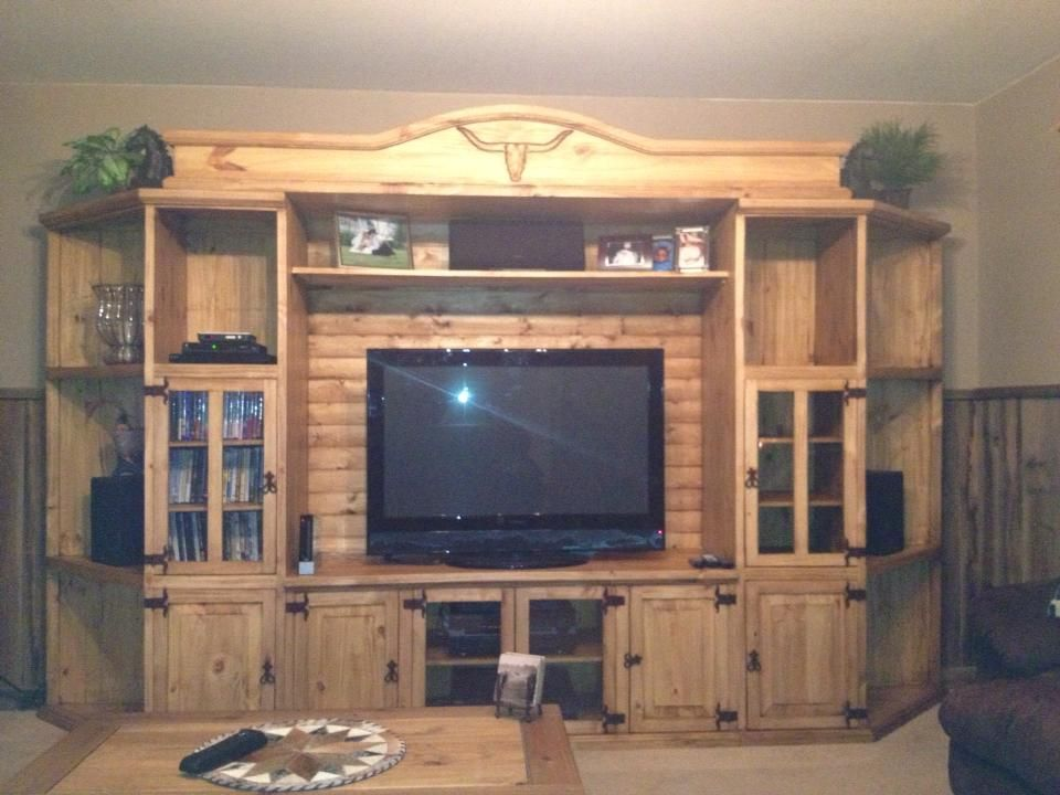 Rustic Pine Entertainment Center With Long Horn Carvings Rustic Entertainment47