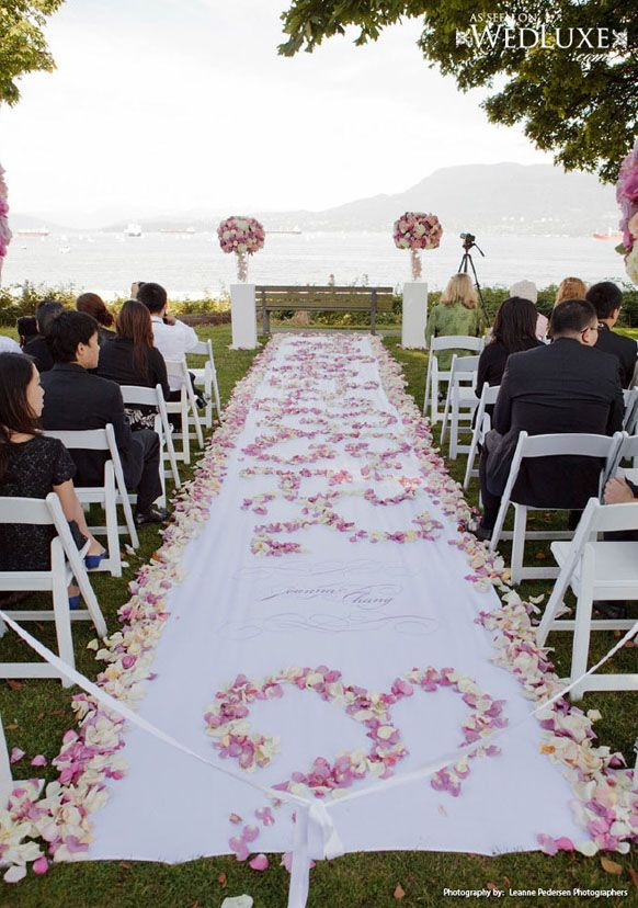 Outdoor Wedding Aisle Decorations White And Pink Roses