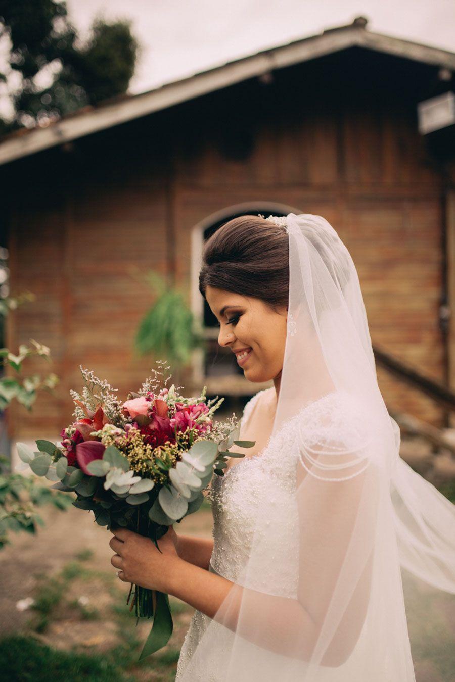 Casamento ao ar livre de Bruna e Jonatas | Noivas | Buquês ...