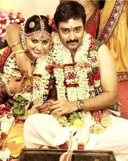 Suga Matrimonial Services Brides Wanted 43 Years Old Divorcee Naidu Groom Seeks Suitable Good Looking Bride Portrait Indian Wedding Photos Glamorous Wedding