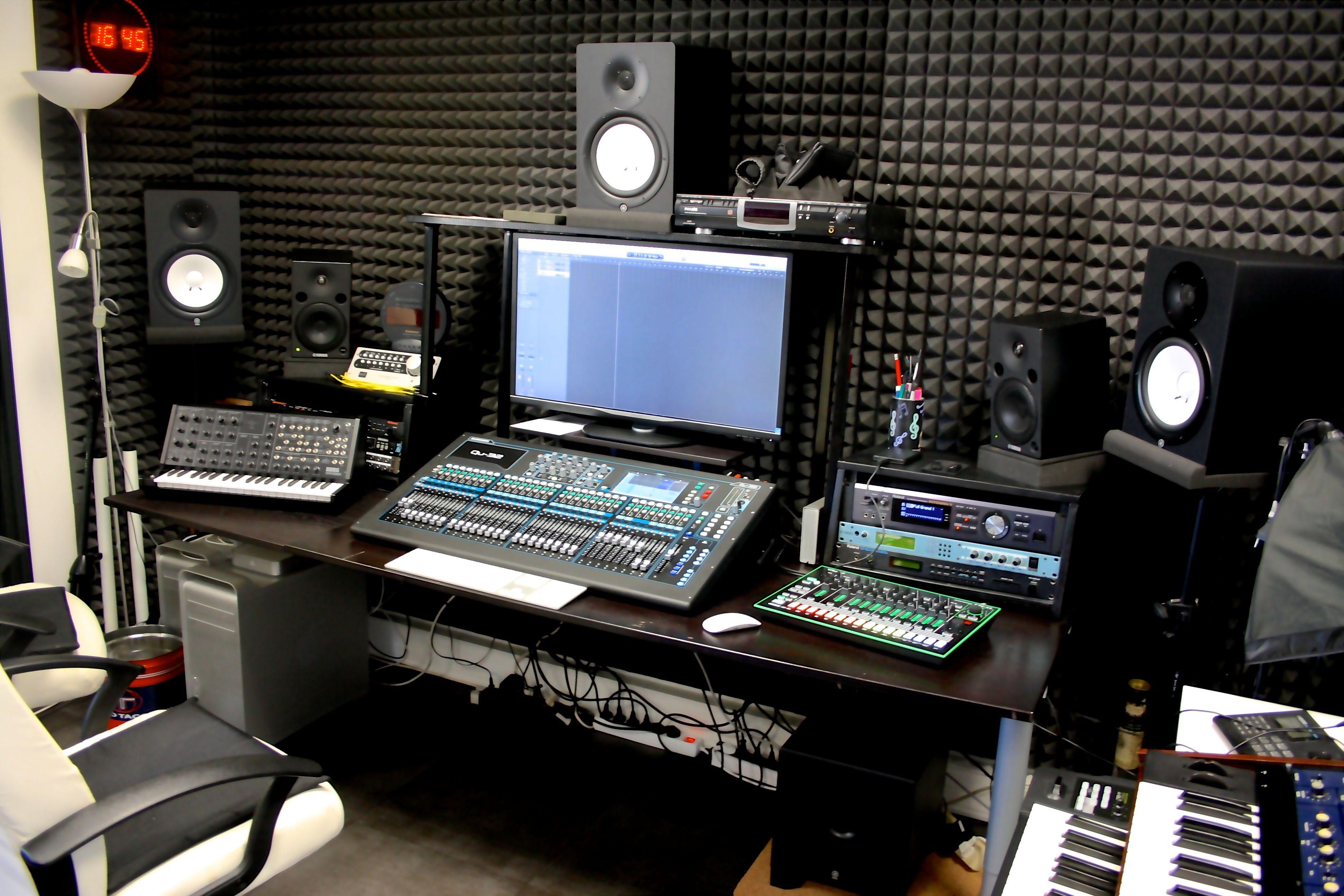 Sus studio esus studio pinterest studio studio - Meuble de studio d enregistrement ...