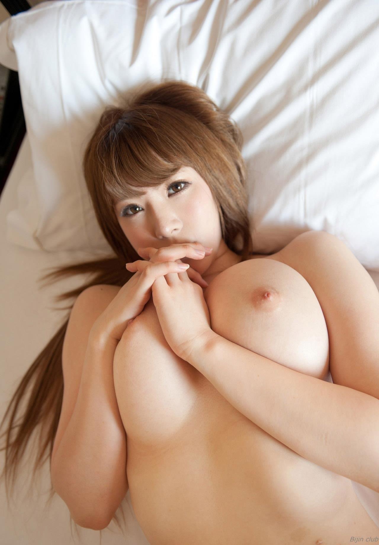 Momoka nishina tits