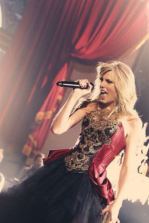 I Knew You Were Trouble Taylor Swift AMAs Performance November 2012