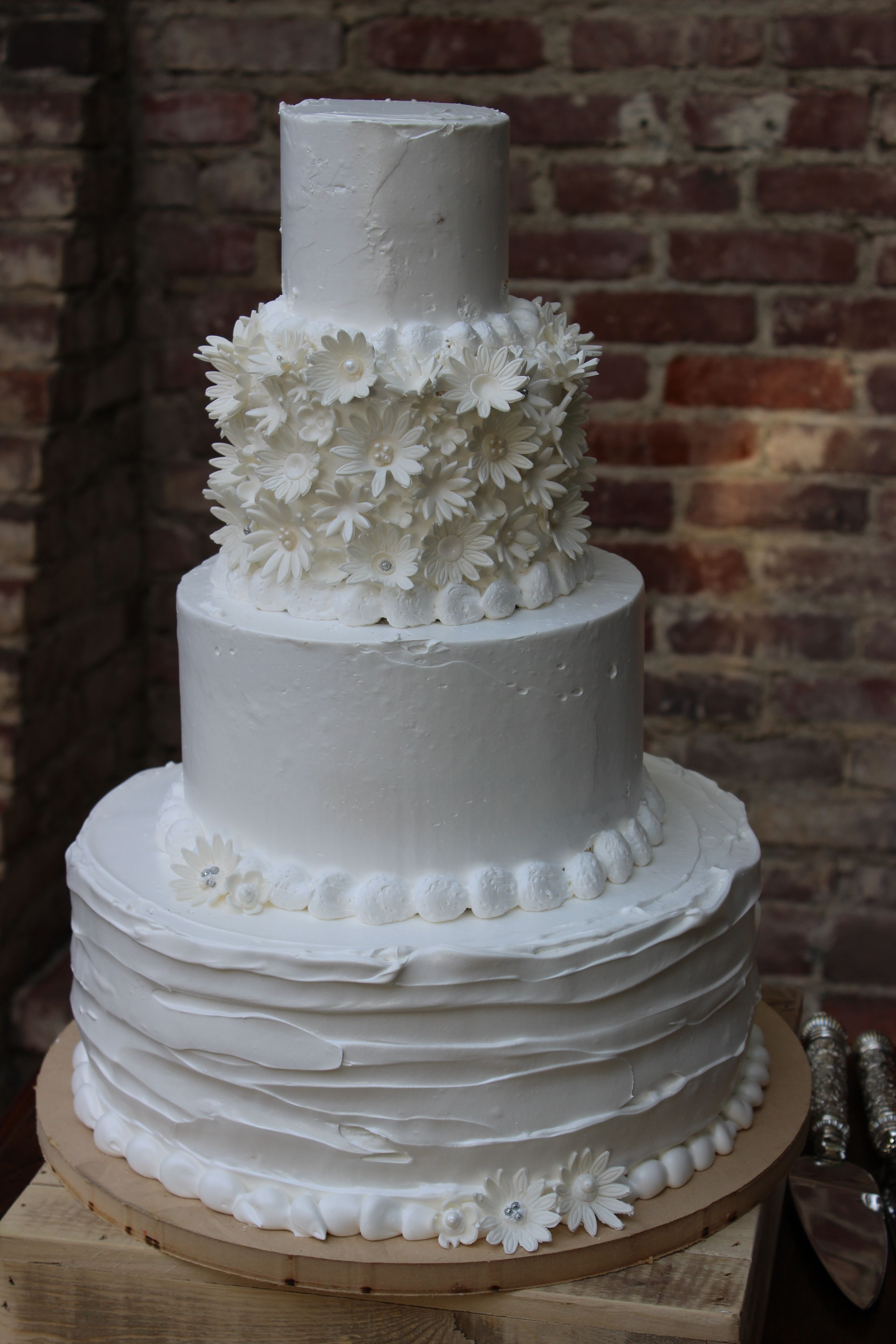 whipped cream wedding cake pictures rustic wedding cake tiramisu flavor 27176