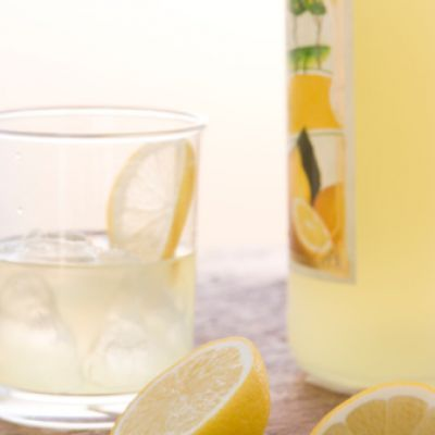 Limoncello Spritzer...another way to use that SodaStream. Lol!