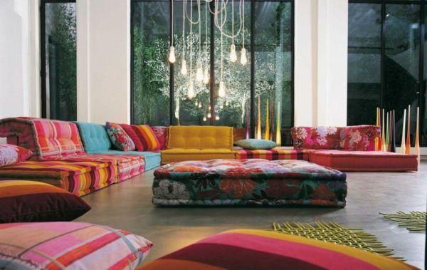 farbige sofas blumenmuster