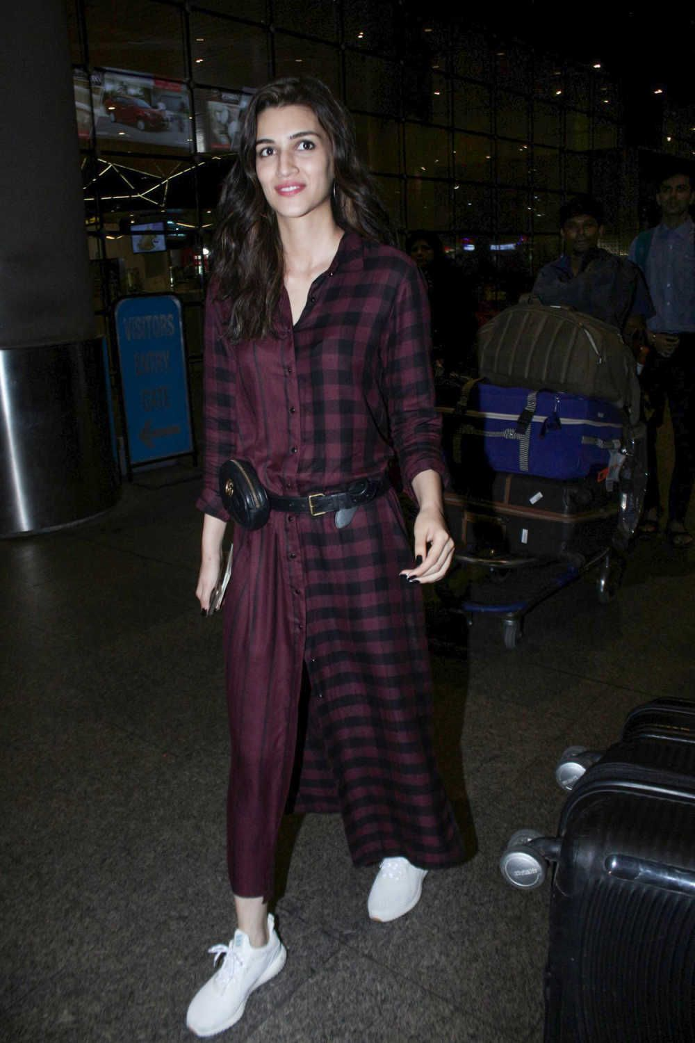 Kriti Sanon spotted at airport after returning from IIFA