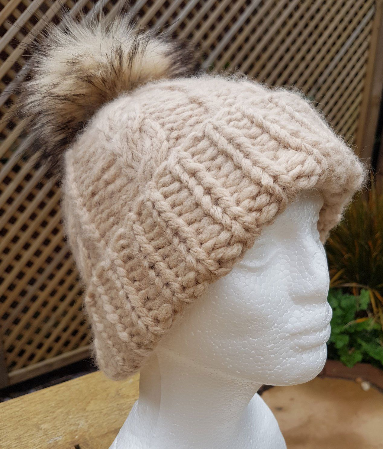Another quick and easy Hat Knitting Pattern for you ...