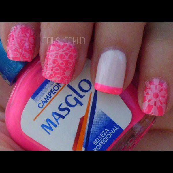 NAIL ART FLORAL http://nailenkha.blogspot.com.es/2016/09/nail-art-floral.html #bornprettystore #masglo #essie #stamping #nails #notd #manicure #nailart #polish #nailspolish #nailideas #manicura #esmalte #uñas #unhas #blog #blogguer