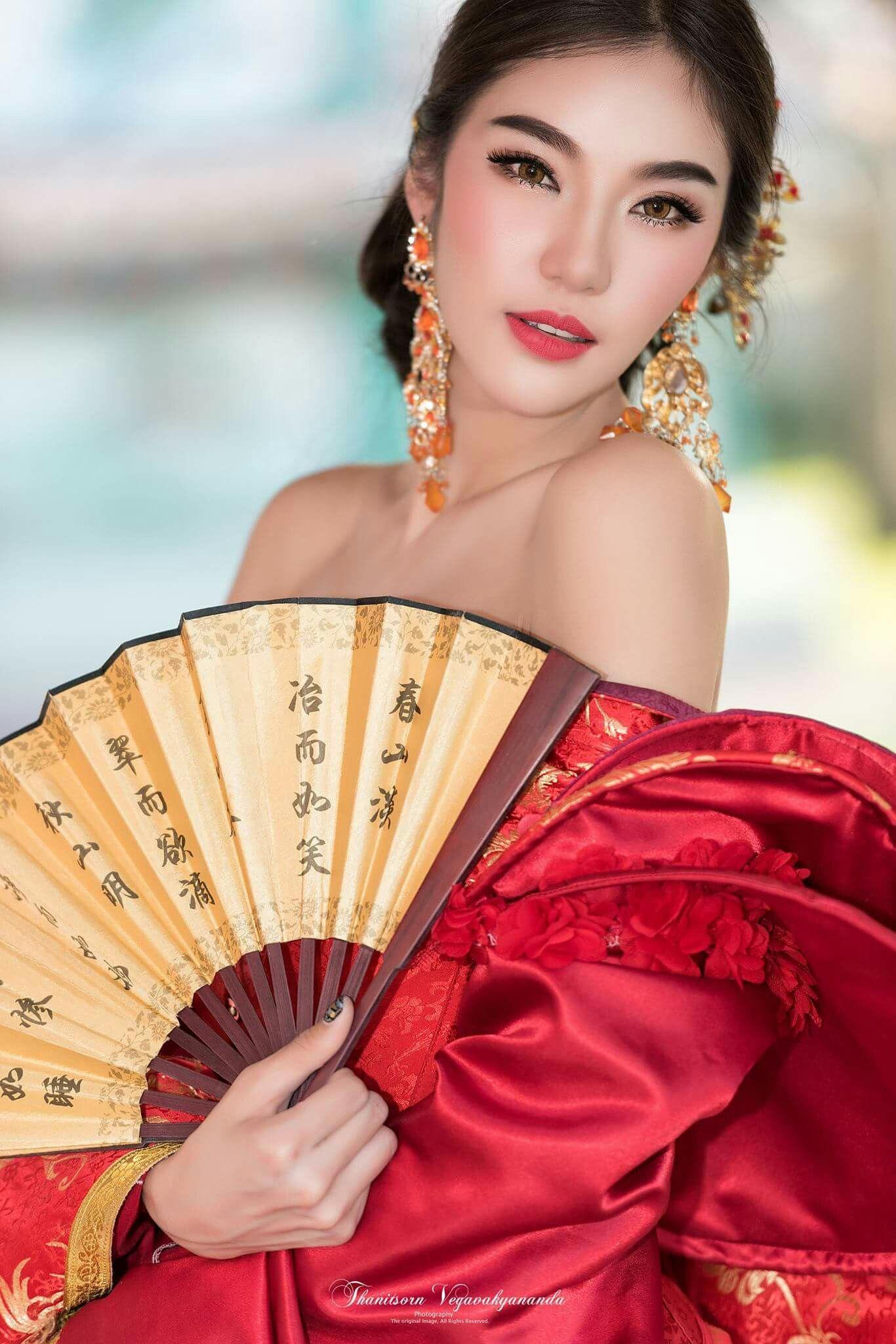 Concept : Red Tone Model : Jarunan Tavepanya Photo : Thanitsorn ...