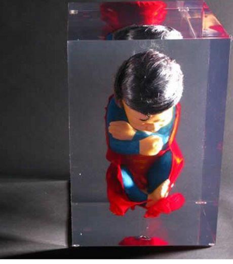 Mini Superman.