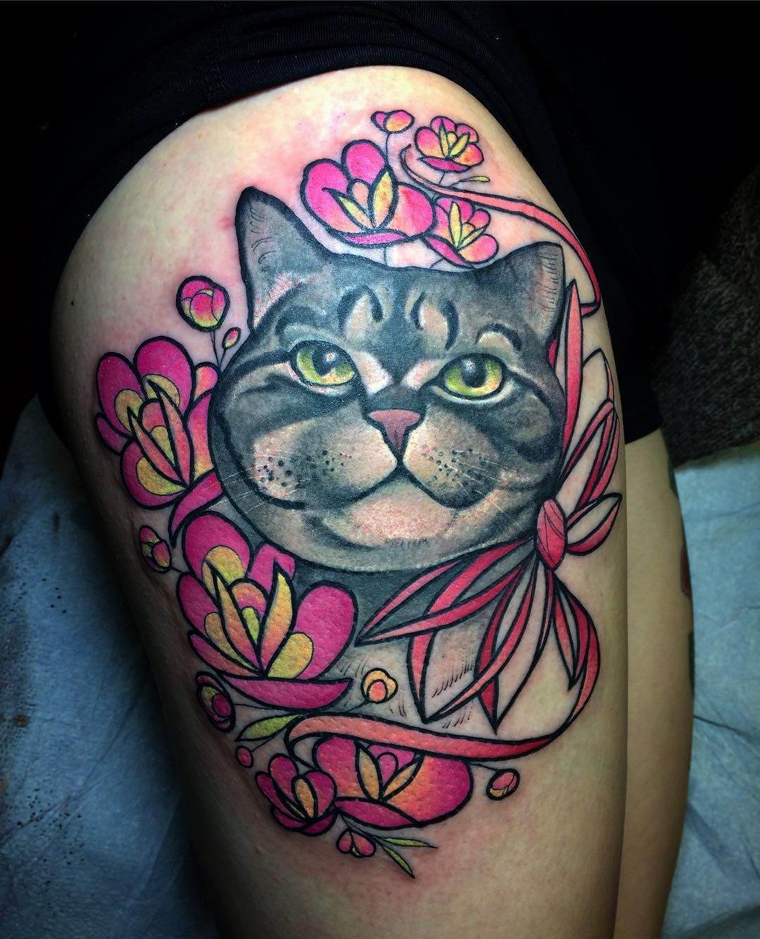 When Crazy Cat Lady Tattoos Another Crazy Cat Lady This Has To Be The Biggest Cat Face I Have Tattooed To Date Full Thigh So Pur Crazy Cats Cat Tattoo Crazy