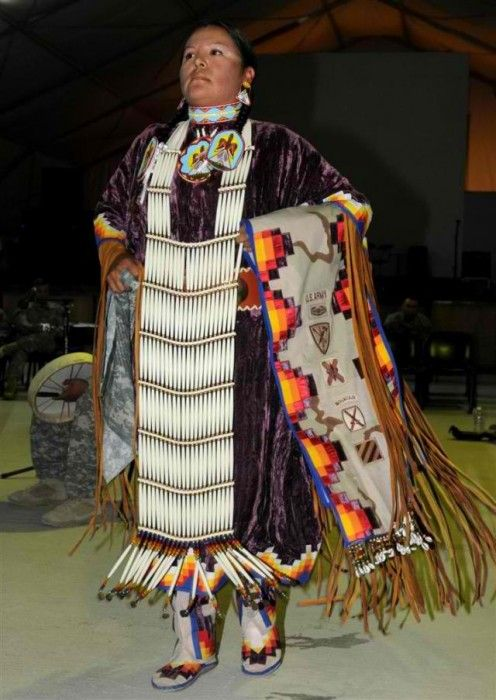 native americans in the lower 48 states native americans traditional and dancing. Black Bedroom Furniture Sets. Home Design Ideas