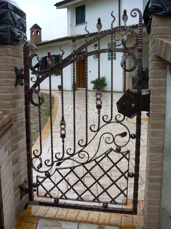 Cancelli in ferro battuto ferro battuto pinterest for Cancelli in ferro battuto immagini