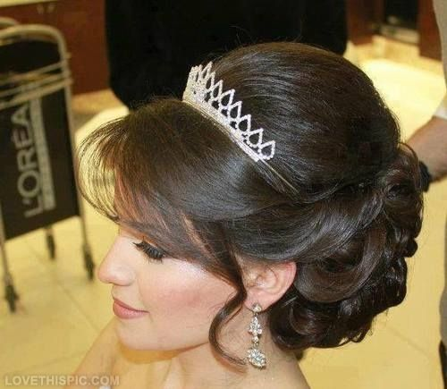 Pin By Tinkeranniebell On Cocuri Mireasă Princess Hairstyles Crown Hairstyles Wedding Hairstyles With Crown
