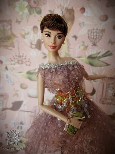 Audrey Hepburn doll. I want this. Maybe it's just the little girl in me but she's timeless.