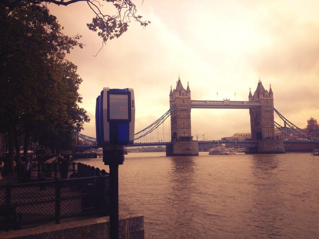 X330 scanning Tower Bridge