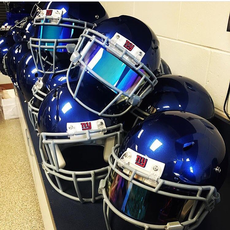 Nfl new york giants football helmets fitted with shoc