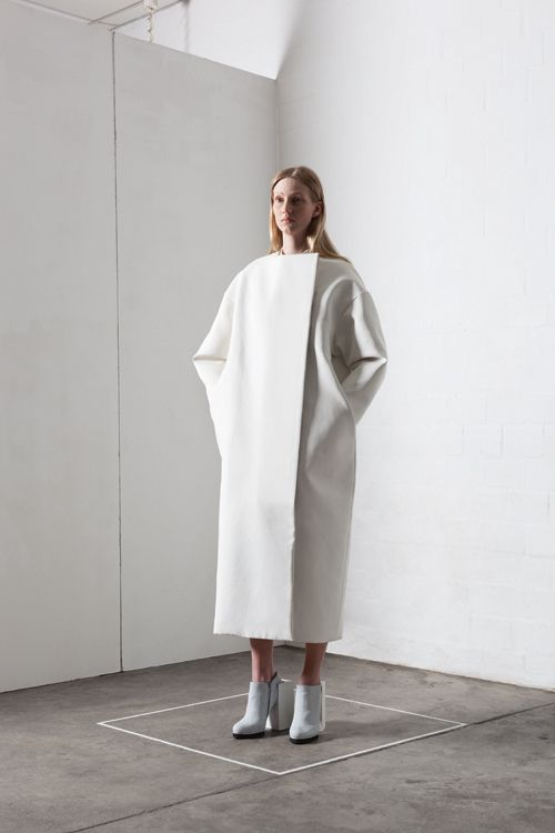 Contemporary Fashion - Leonie Barth