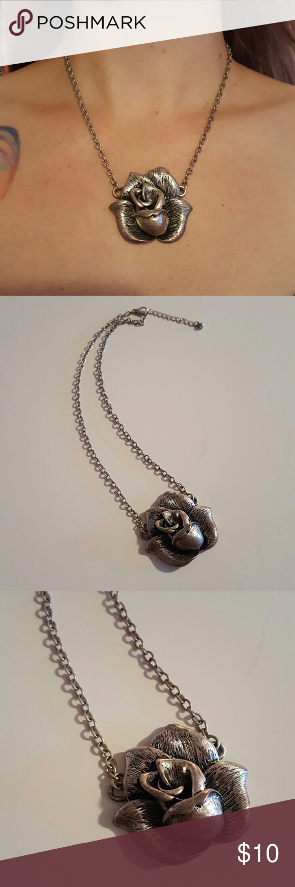"""Rose necklace 3D rose necklace. 2"""" extender. 18"""" chain. Beautiful piece. Jewelry Necklaces"""
