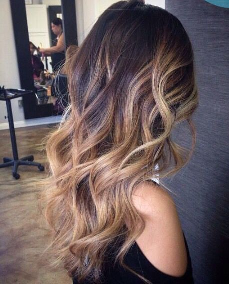 Balayage highlights looking borgeous on brunette hair