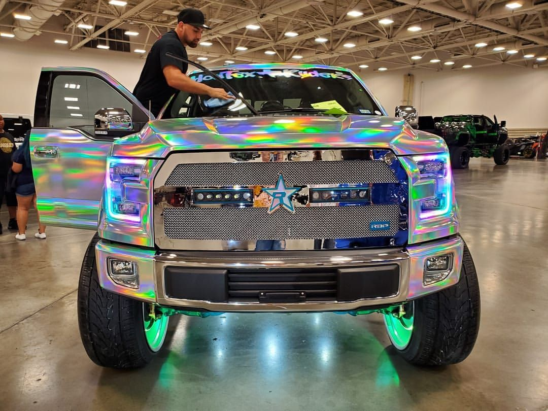Puttin In Work Dubshowtour Dubshow Dallas Cleaning Detailing Trucks Ford F150 Da1andonly Holographic Wrapped Frontend