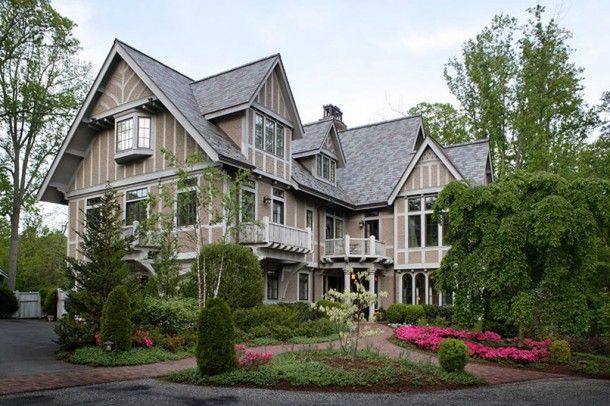 Andie MacDowell sells home in Asheville, NC, buys in Marina