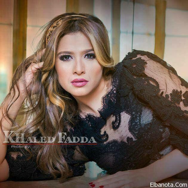 Pin By بنوته كافيه On Elbanota Com Women Fashion Women S Top