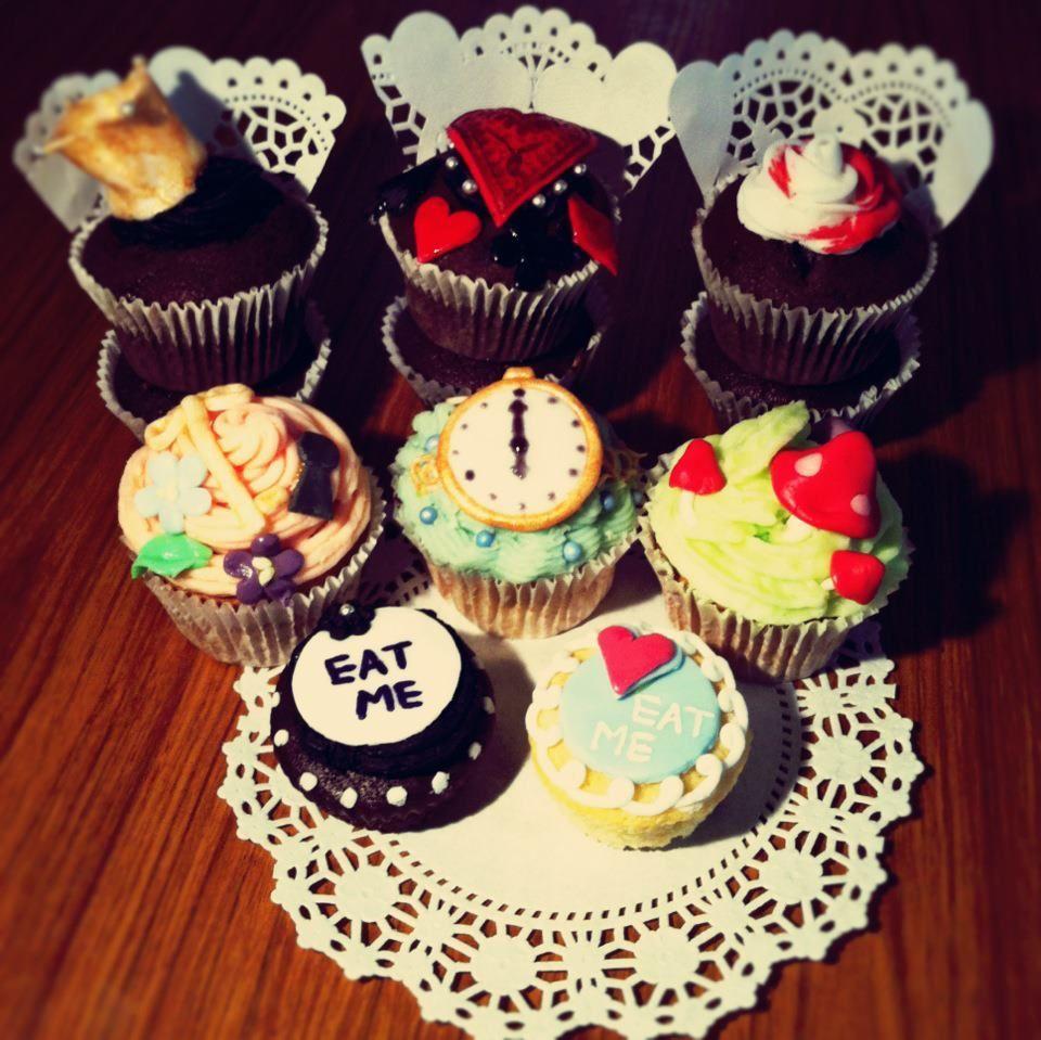 beautiful cupcakes made by my friend melanie.
