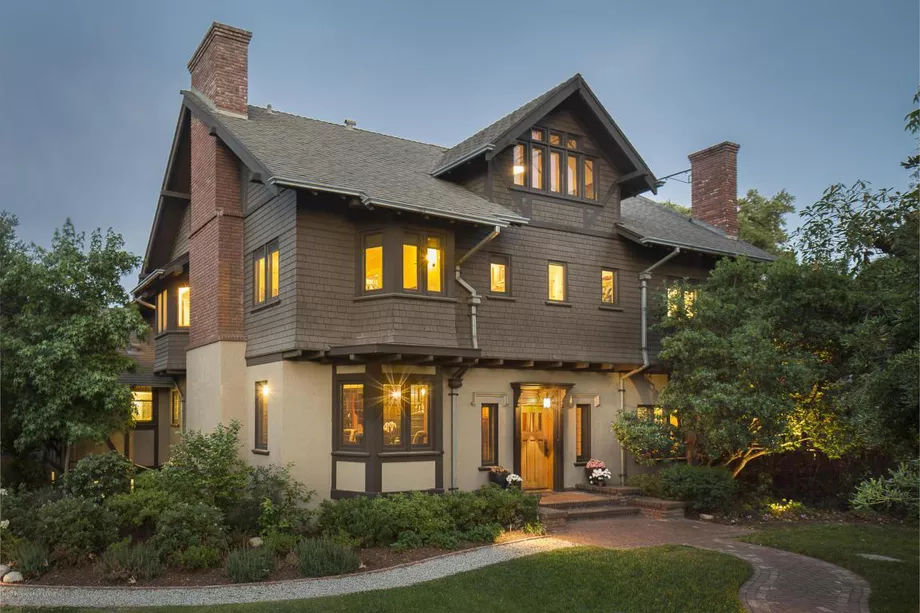 Majestic And Historic Greene And Greene Estate In Pasadena Seeks 4 3m Craftsman House House Paint Exterior Pasadena
