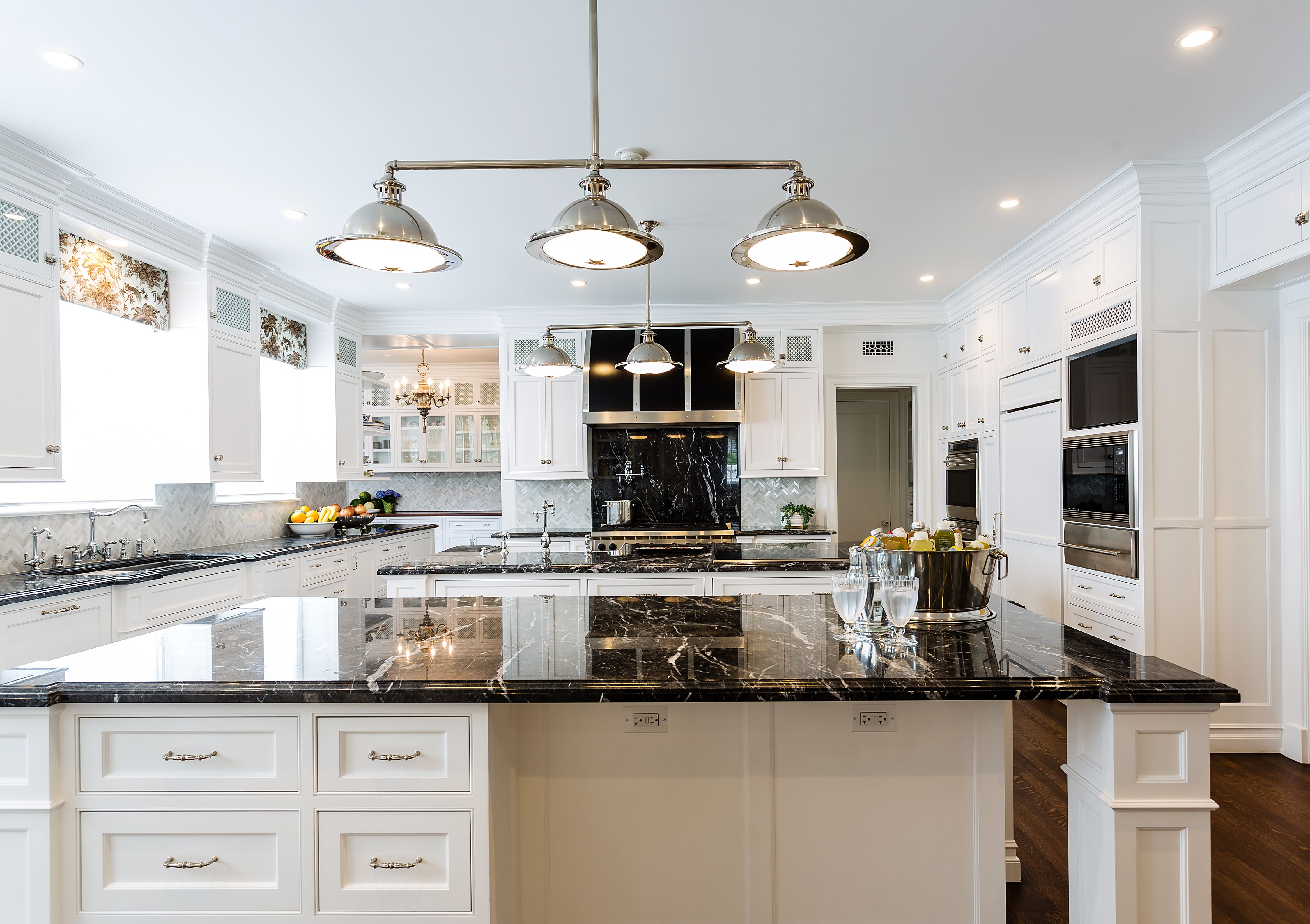 Mission West Kitchen And Bath S Custom Home Installation Kitchen Kitchengoals Kitcheni Kitchen And Bath Showroom Kitchen And Bath Design Kitchen And Bath