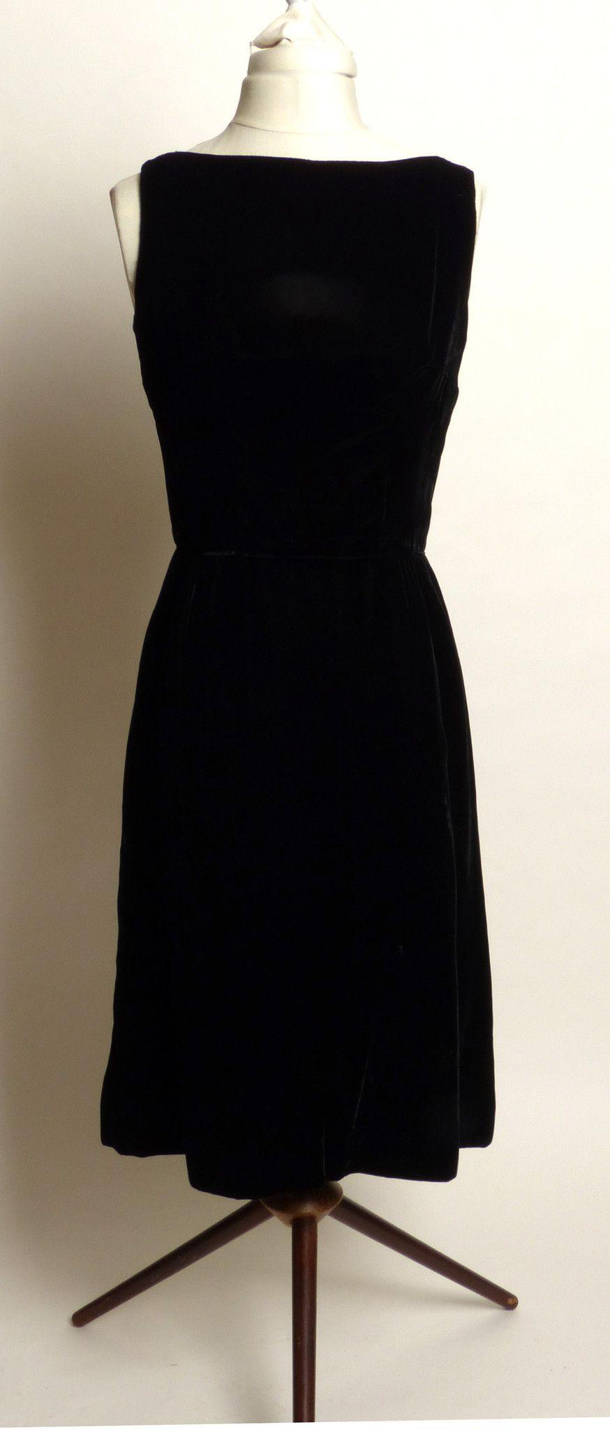 Circa early s jay herbert california little black velvet dress