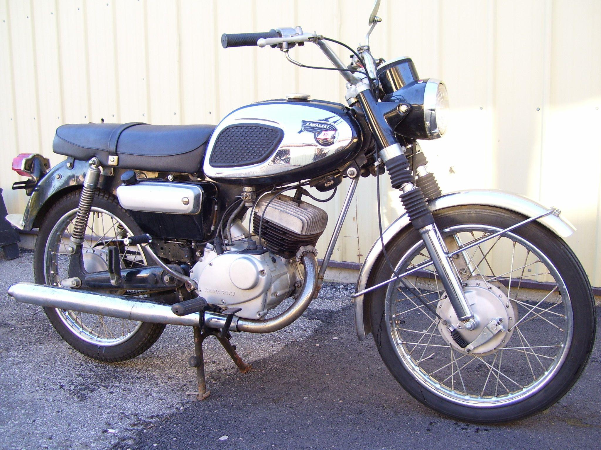1968 Kawasaki F2 | Motorcycles | Motorcycle, Kawasaki classic