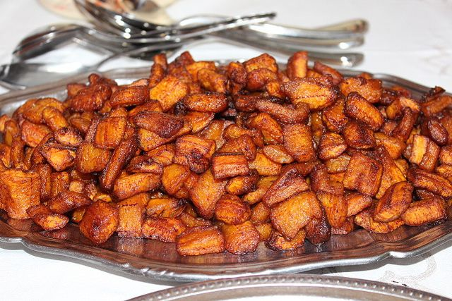 5 Must Eat Dishes In Ivory Coast Safari Junkie Plantains Fried Plantain Recipes African Food