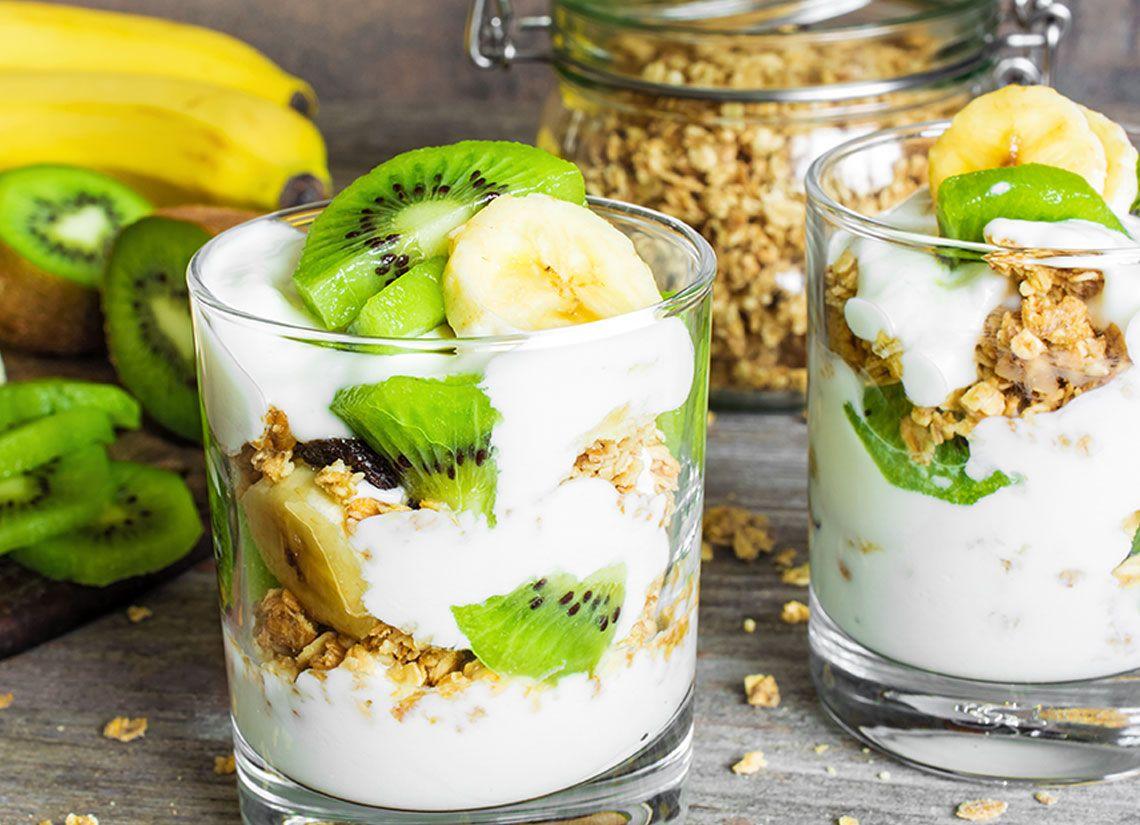 Parfait cu iaurt si fructe